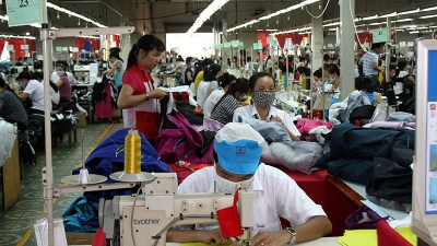 Garment and textile enterprises reel under blow from COVID-19 pandemic