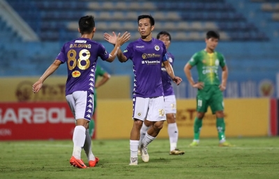 Vietnamese football resumes with glut of goals in National Cup quarterfinals
