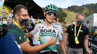 Cycling: Germany's Kamna wins Tour de France 16th stage