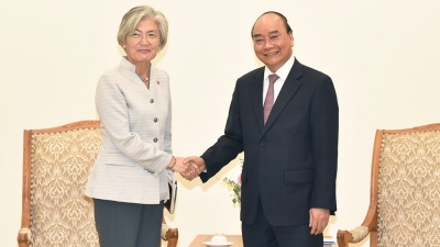 Prime Minister receives RoK Foreign Minister, new ADB Country Director