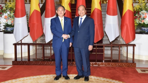 October 19-25: Japanese PM pays official visit to Vietnam