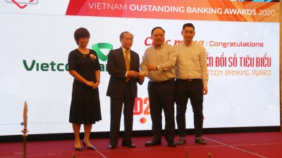 Vietnam honours outstanding banks in digital transformation for the first time