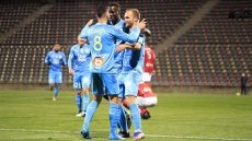 Marseille closing in on PSG with Nimes victory