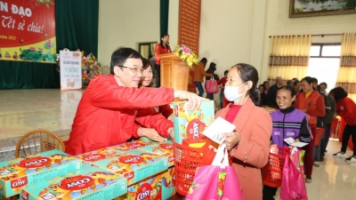 Promoting spirit of solidarity and sharing towards safe Tet holiday