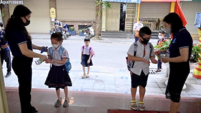 Students in 61 provinces, cities to return to school next week