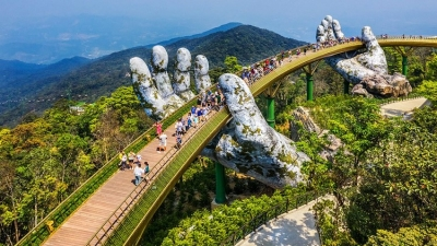 Golden Bridge in Da Nang named world's new wonders by UK daily