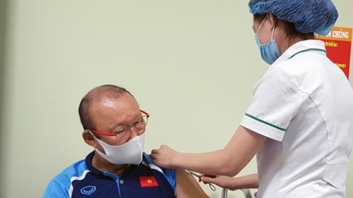 Members of national men's football team receive COVID-19 vaccinations