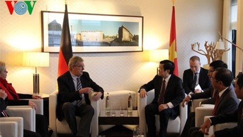 President meets Berlin Mayor, German parliamentarians