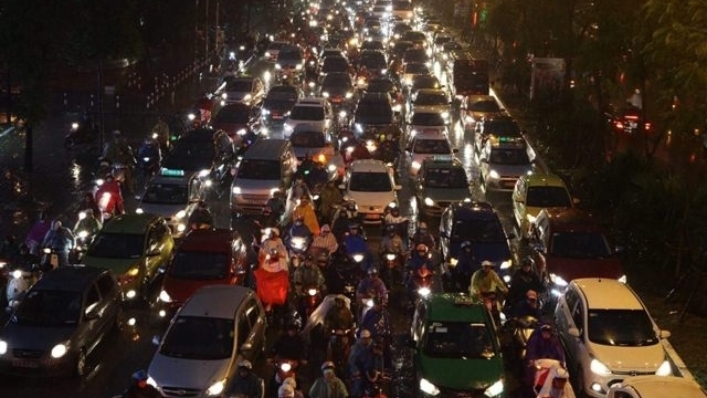 Hanoi urged to take action to deal with traffic congestion