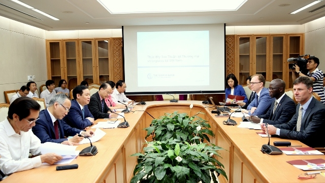 WB helps Vietnam in trade facilitation, logistics development