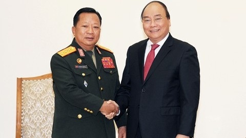 Government leader hosts Lao Defence Minister