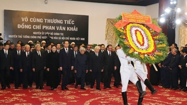Party, State leaders pay tribute to former PM Phan Van Khai