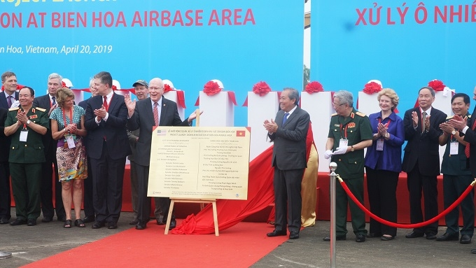 Bien Hoa airport dioxin cleanup project launched - Nhan Dan