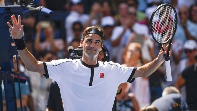 Federer reaches U.S. Open quarters, Barty knocked out